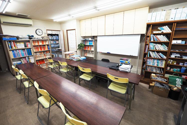 東英予備校の集団授業教室