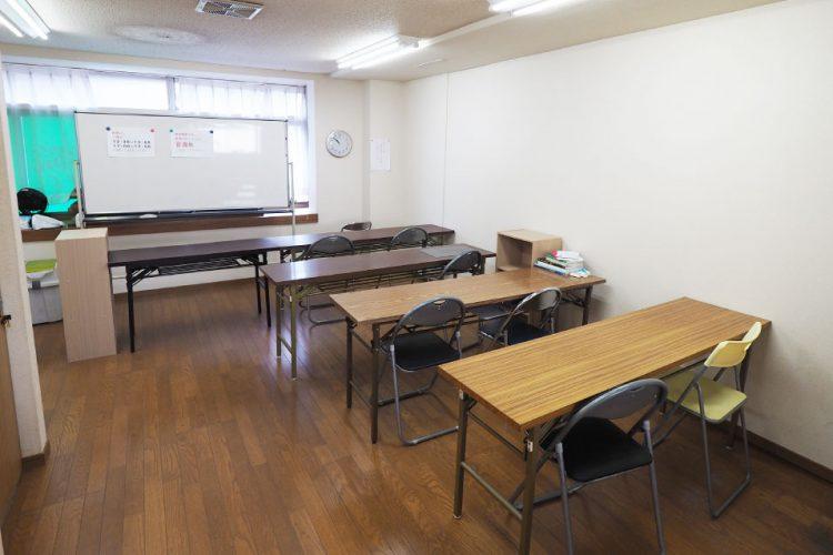 在校生の自習室使用について 間隔を十分取った指定席制を復活させました