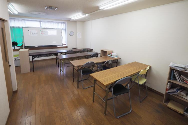 閑静で緊張感のある指定席自習室